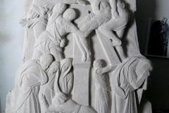 etap Rzeźbienia płaskorzeźby w kamieniu, pomnik z płaskorzeźbą