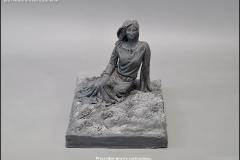 Projektowanie nagrobkow kobieta na lace rzezba (3)