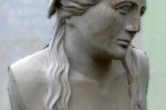 Greckie popiersie z kamienia