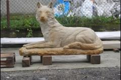 rzezba wilka piaskowiec (1)