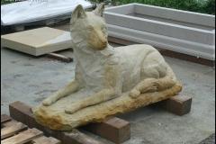 rzezba wilka piaskowiec (2)
